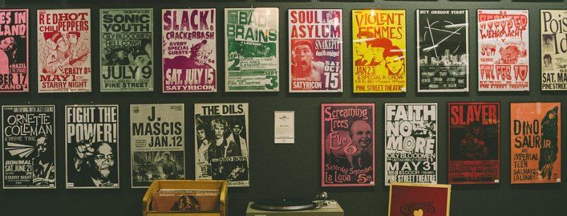 Forskellige plakater